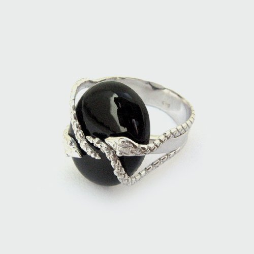 White gold Ring With Black Onyx