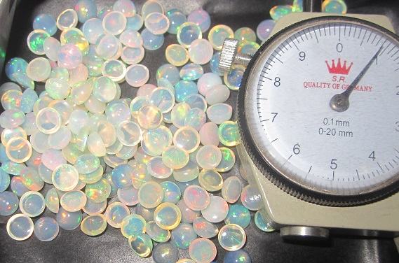 6mm ethiopian opal round cabs