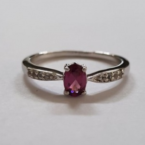Natural rhodolite and white topaz ring