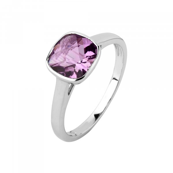 Amethyst cushion solitaire bezel setting