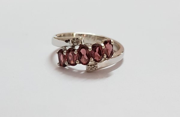 garnet diamond ring