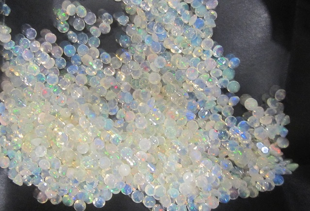 4mm Ethiopian opal round faceted