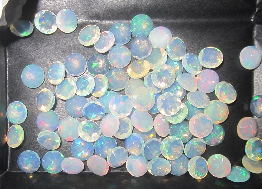 7mm Ethiopian opal round faceted
