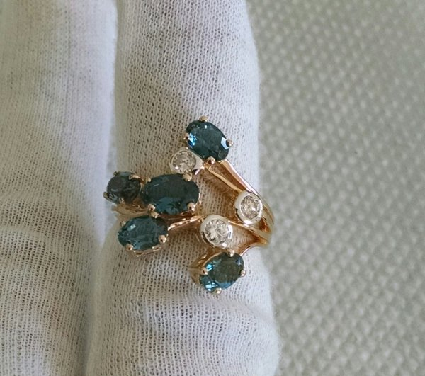14k Gold London Blue topaz ring