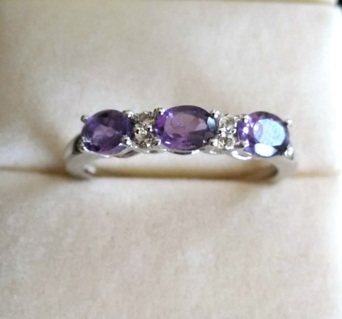 Amethyst trilogy ring with white topaz