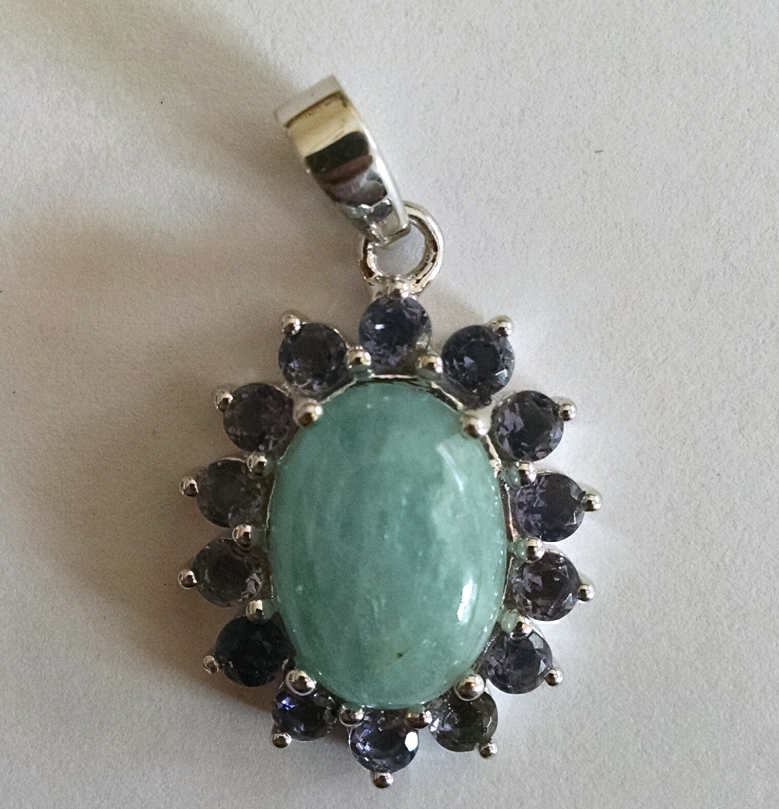 Aquamarine pendant with iolite