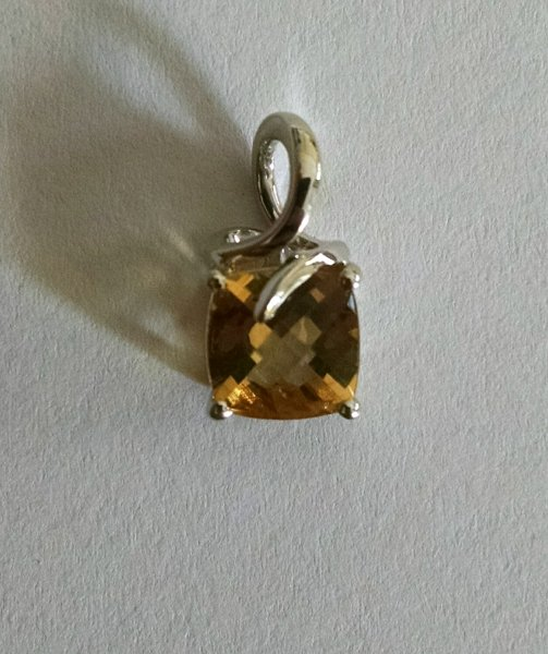Checkerboard cushion delicate pendant in Citrine