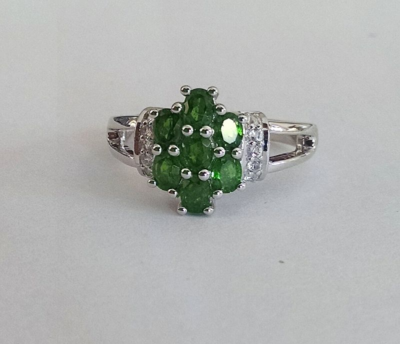 Chrome diopside and white topaz cluster