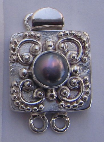 Clasp With Grey Pearl