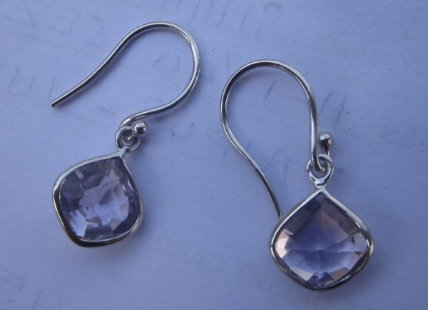 Earwire EARRINGS With onion shape stone