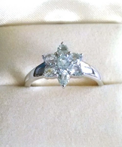Flower aquamarine ring