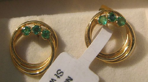 Gold Ear Ring with Emerald