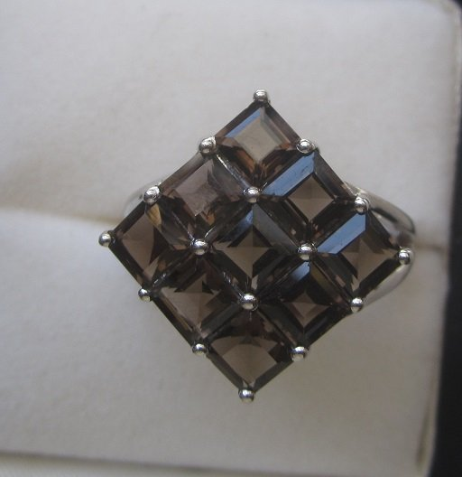 Gold Ring with 9 squares