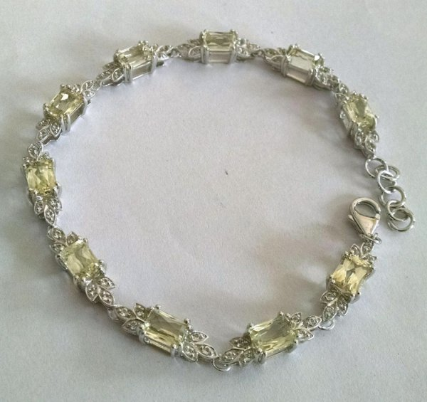 Lemon quartz bracelet with white topaz