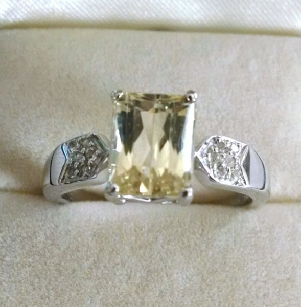 Lemon quartz ring with white topaz