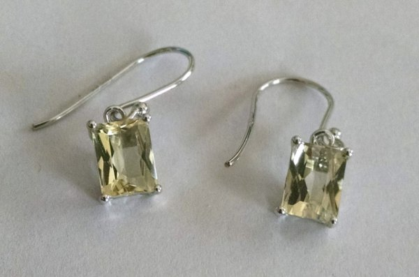 Lemon quartz solitaire earrings