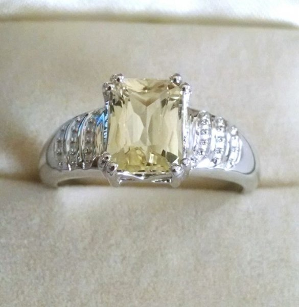 Lemon quartz solitaire ring