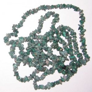 Natural  melakite chip gem beads.