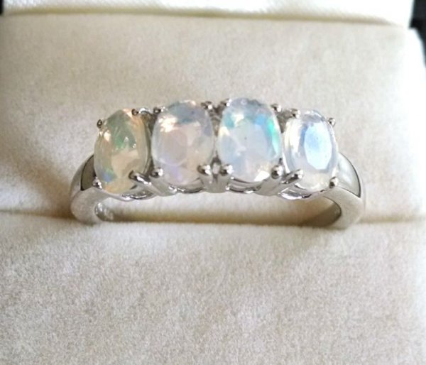 Opal 4 stones band ring