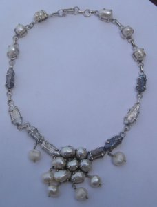 Pearl tumble bead necklace