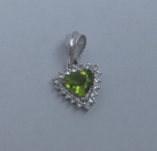 Pendant With peridot and topaz