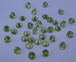Peridot 5mm rd. cut/faceted gem stone