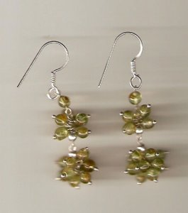 Peridot beads earrings