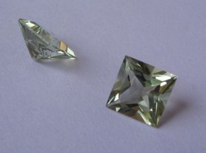 Princess cut Green Amethyst 10mm