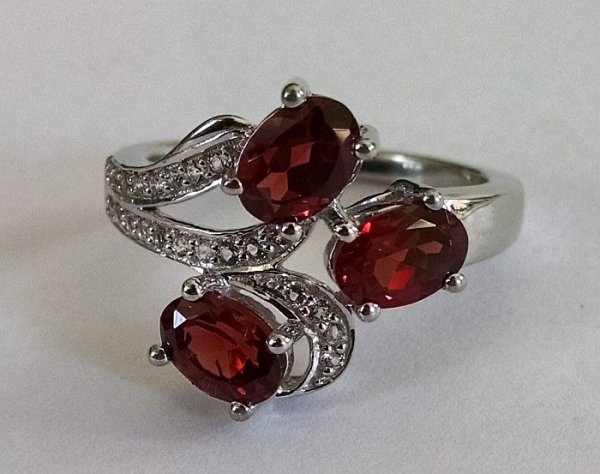 Red garnet oval ring