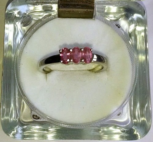 Ring with 5x3 ovals