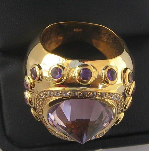 Ring With Amethyst & Diamonds