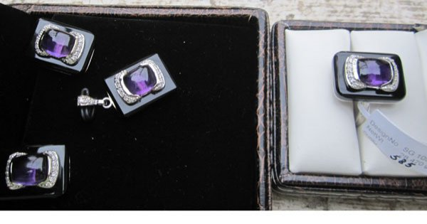 Set With Diamonds,amethyst, black onyx.