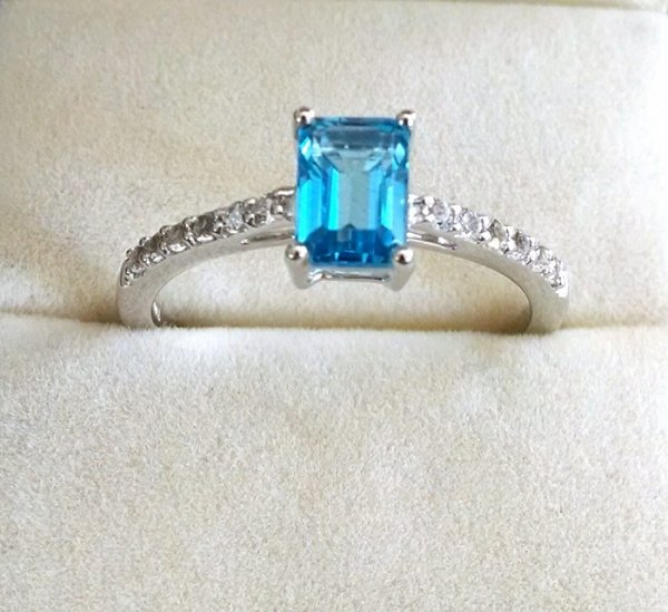Swiss Blue topaz solitaire ring