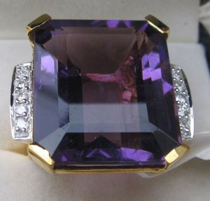 Top Amethyst di ring
