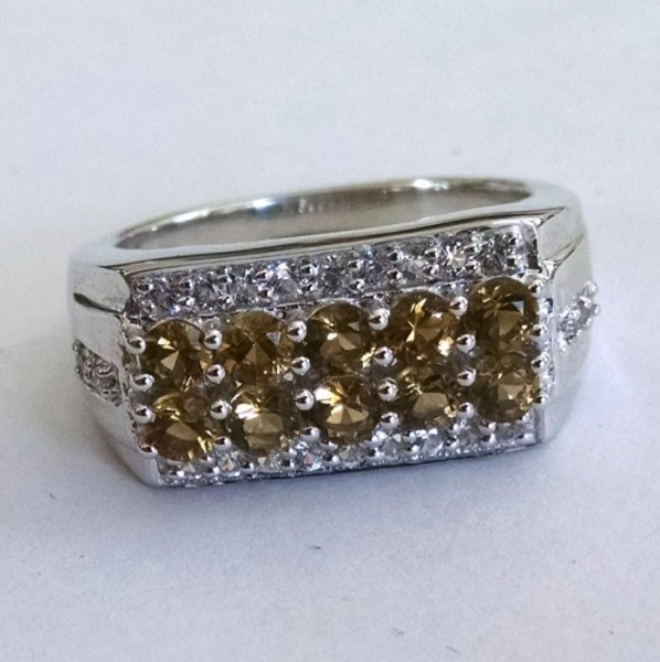 Whiskey quartz heavy ring